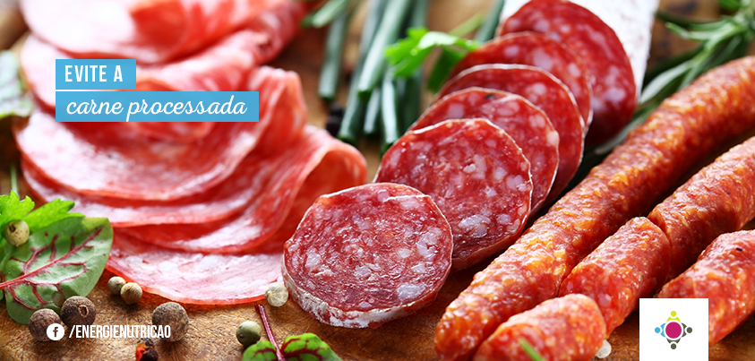 carne processada aumenta a chance de câncer