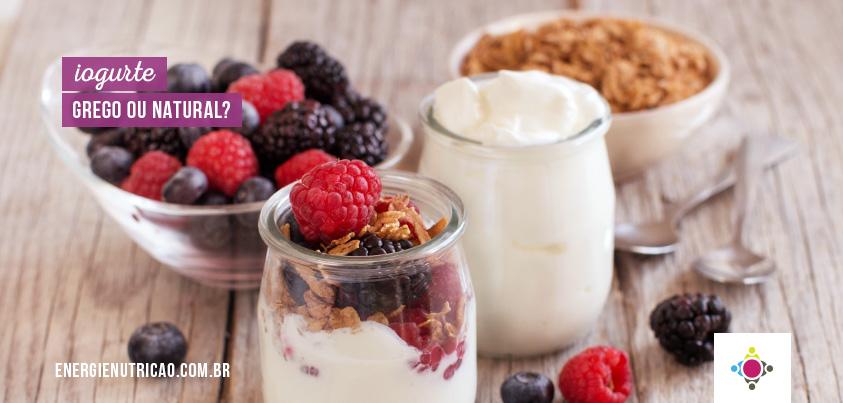 Comparamos o iogurte grego e iogurte natural! Descubra qual a melhor opção!
